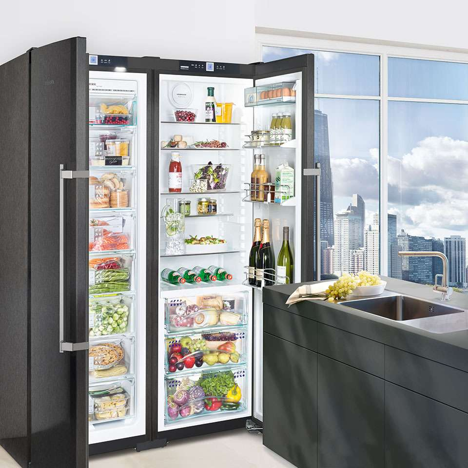 Liebherr Freestanding BlackSteel Side by Side Fridge SBSbs 7253 Lifestyle