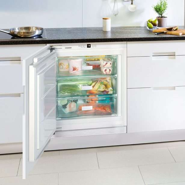 Liebherr Integrated Underbench Freezer SUIG 1514_lifestyle